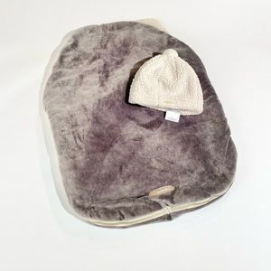 JJ Cole grey bundle me car seat cover + hat